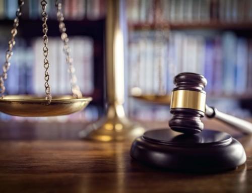 Rechtsprechung: Beschluss des Landgerichts Itzehoe vom 30.09.2010 – 5 O 91/10 – zu §§ 8, 3, 5 Abs. 1 UWG: SmaTax darf sich nicht als kostengünstiger bewerben!